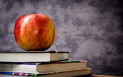apple-on-books-blog-horizontal-400x250