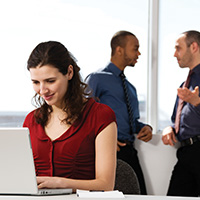 Brunette-laptop-discussion-background-blog-square-200x200