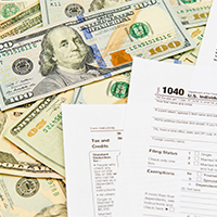tax-return-forms-and-cash-blog-square-200x200