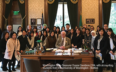 WA_state_treasurer_with_acctg_students_blog_horizontal_400x250